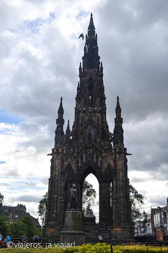 Edimburgo. Monumento W. Scott