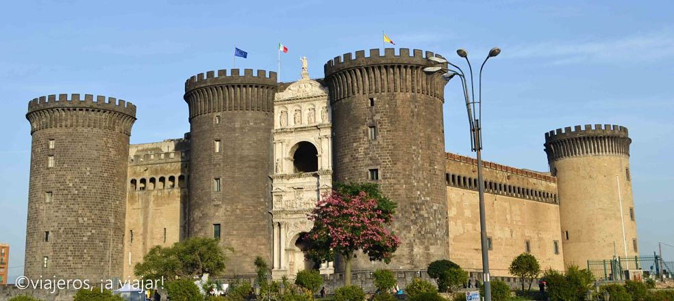 sur-italia-castillo-st-angelo