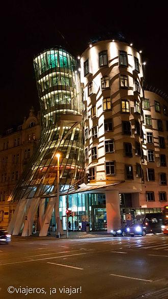 VIAJE Praga - Budapest. Edificio danzante