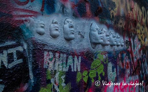 PRAGA. Muro de John Lennon