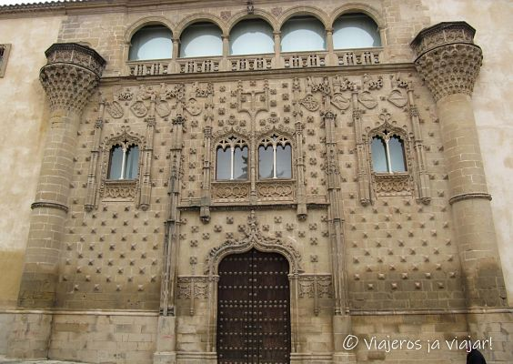 Palacio jabalquinto