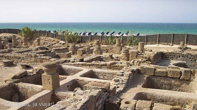 Playa y garum ruinas de Baelo Claudia
